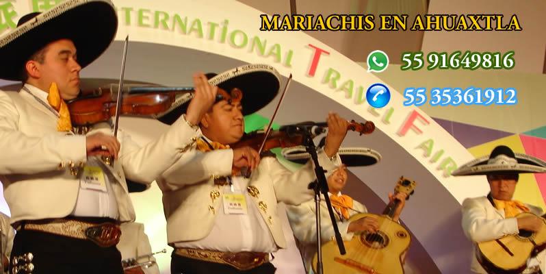 Mariachis en Ahuaxtla